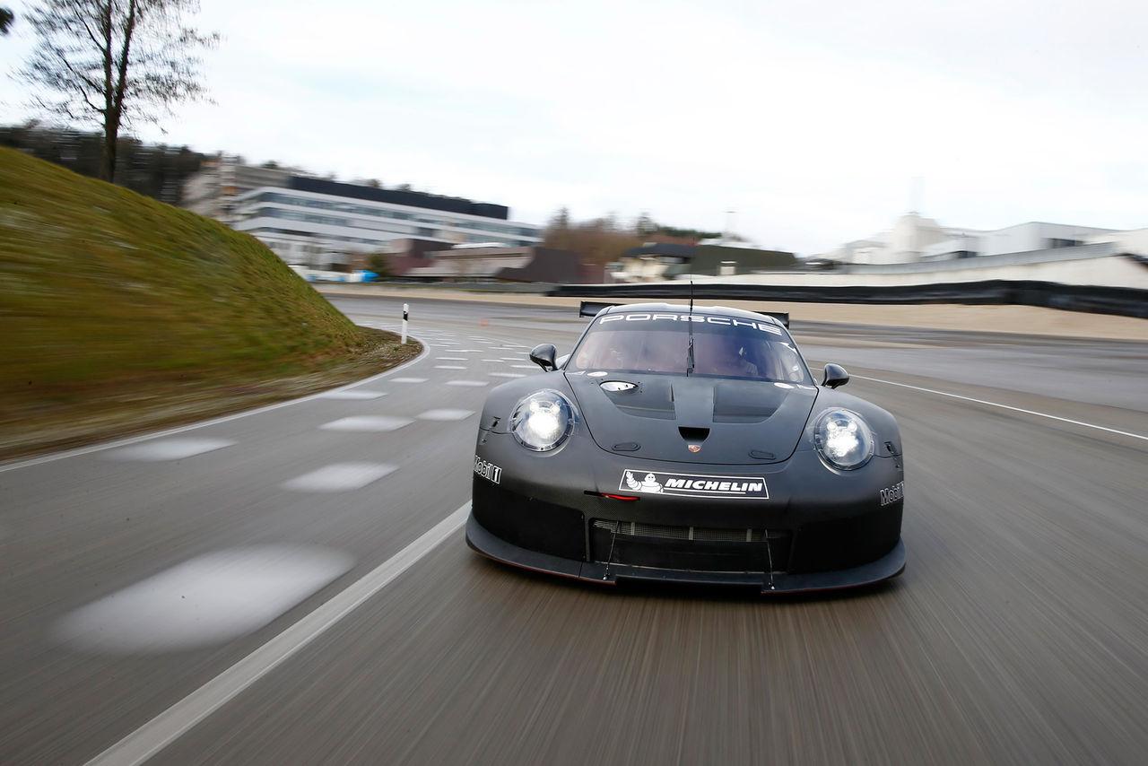Porsche visar efterträdaren till 911 RSR