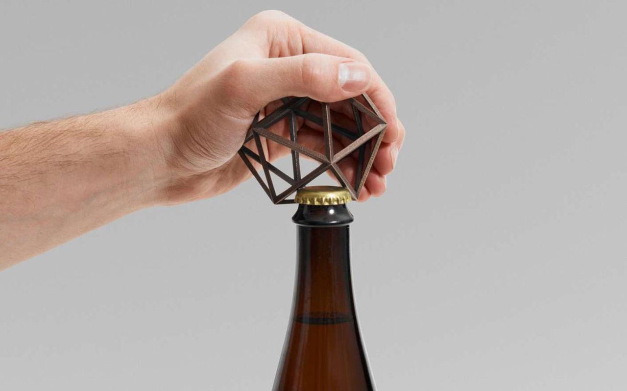 3D-utskriven kapsylöppnare i brons