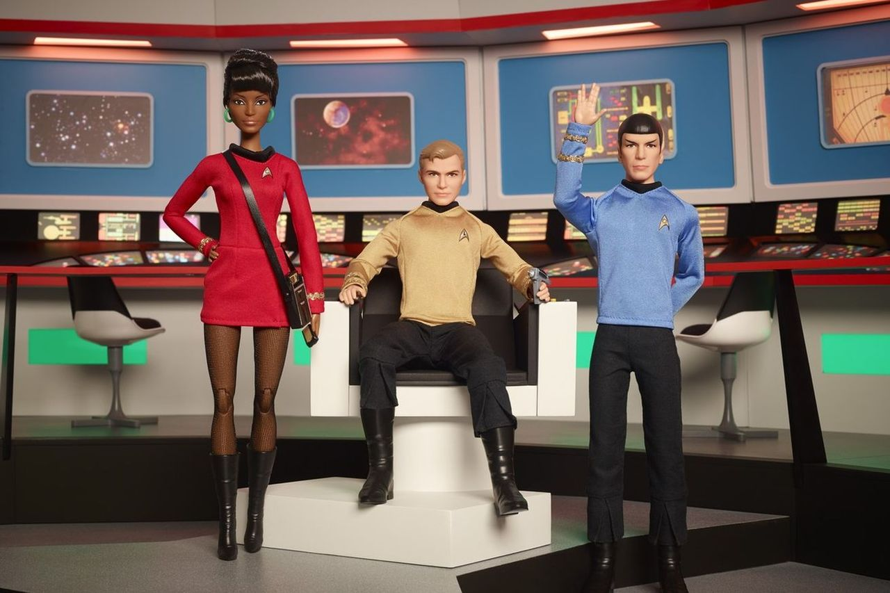 Mattel släpper Star Trek-barbies