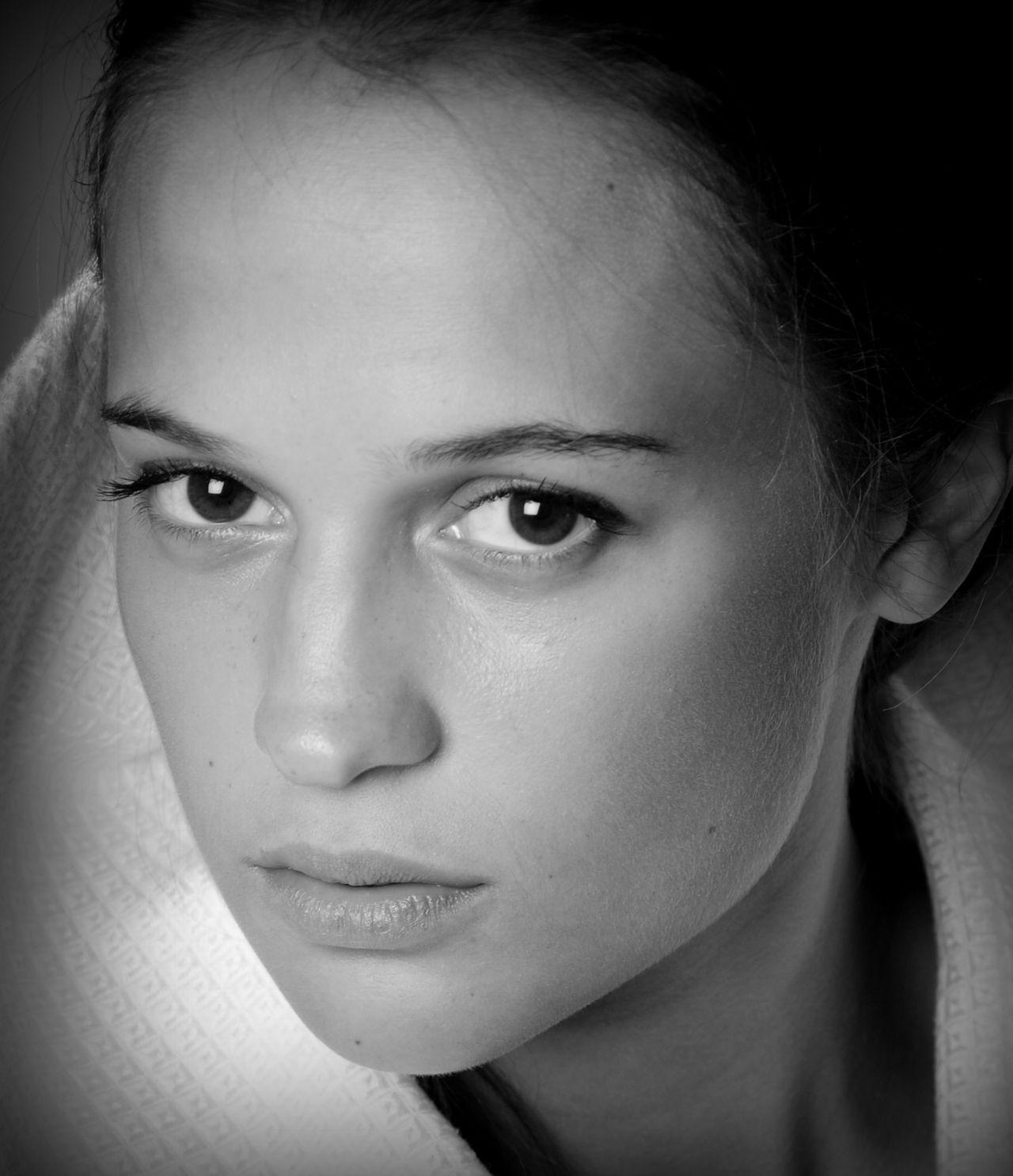 Alicia Vikander väljs in i Oscarsakademin