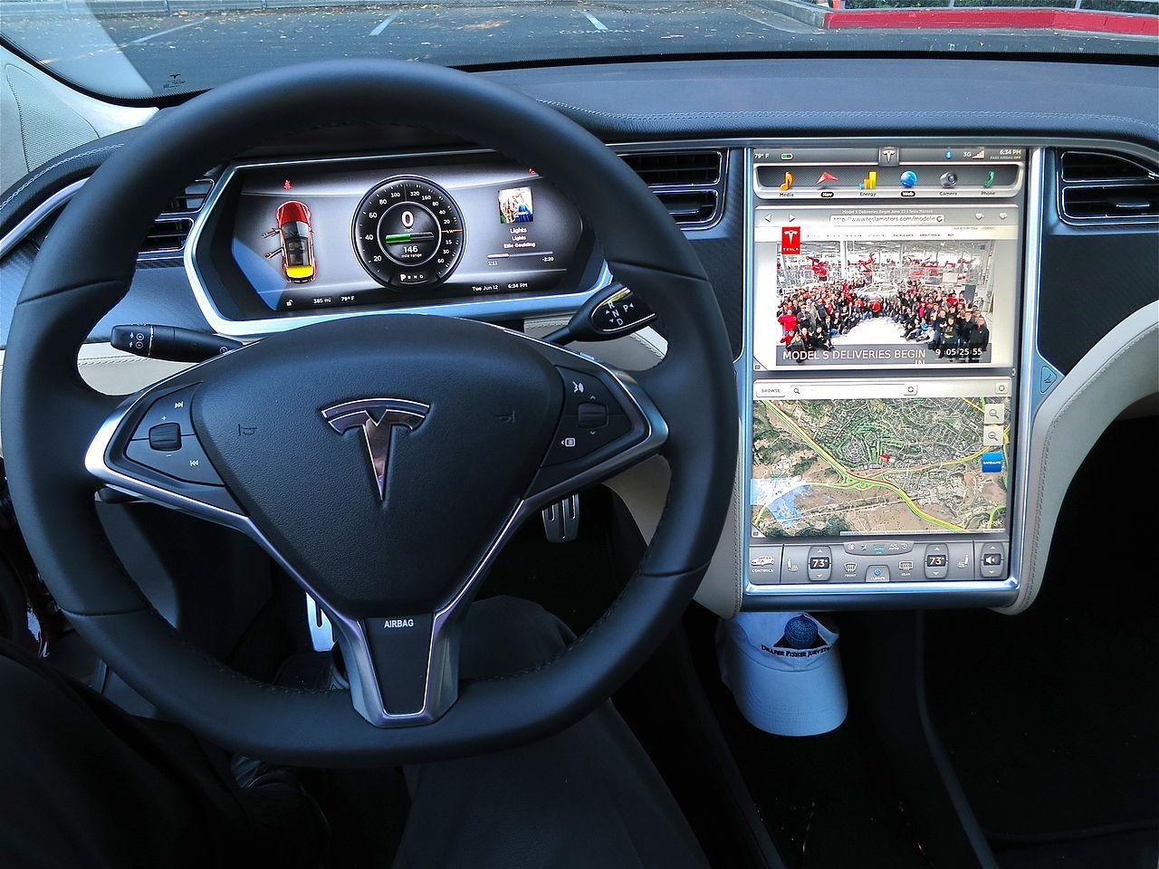 Första dödsolyckan med Teslas autopilot