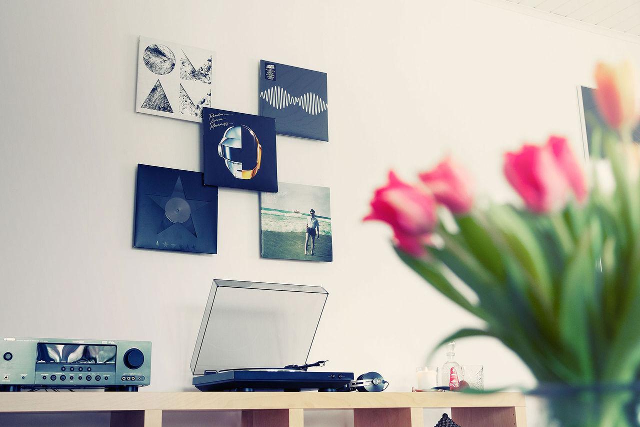 Sätt upp skivomslagen på väggen
