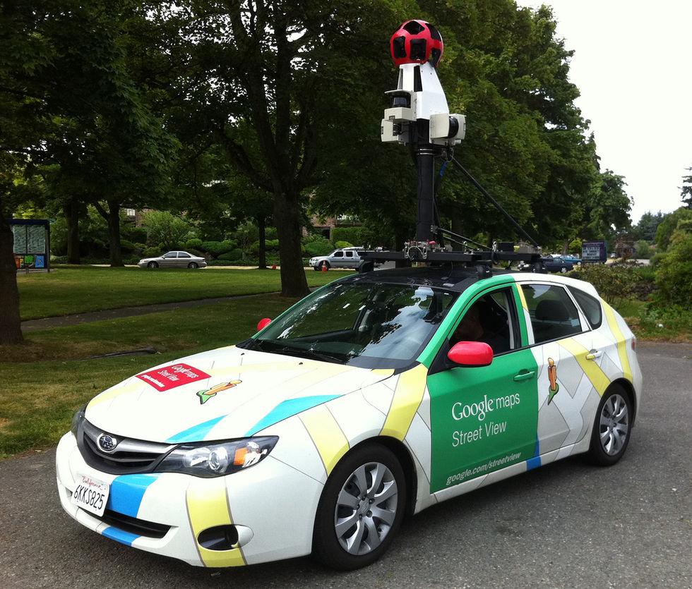 Man gripen för att ha attackerat Googles Street View-bilar