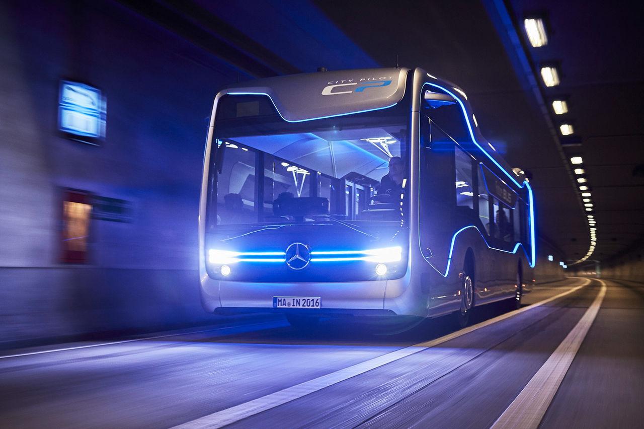 Mercedes visar framtidens buss