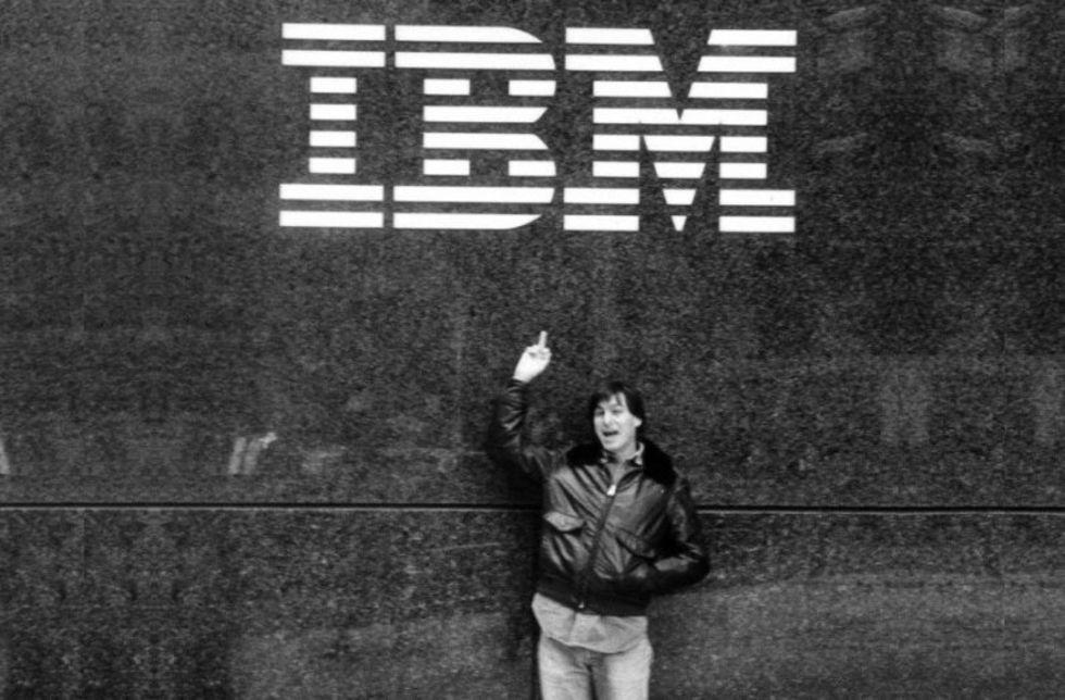 Köp jackan Steve Jobs bar när han pekade finger åt IBM