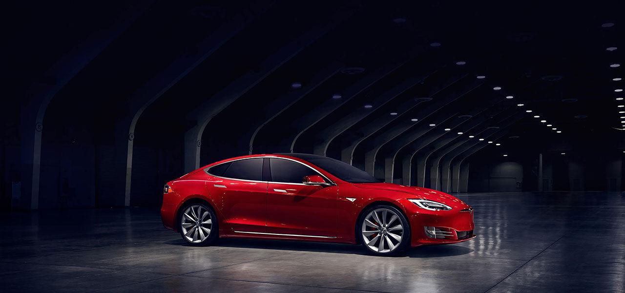 Tesla uppdaterar mjukvaran