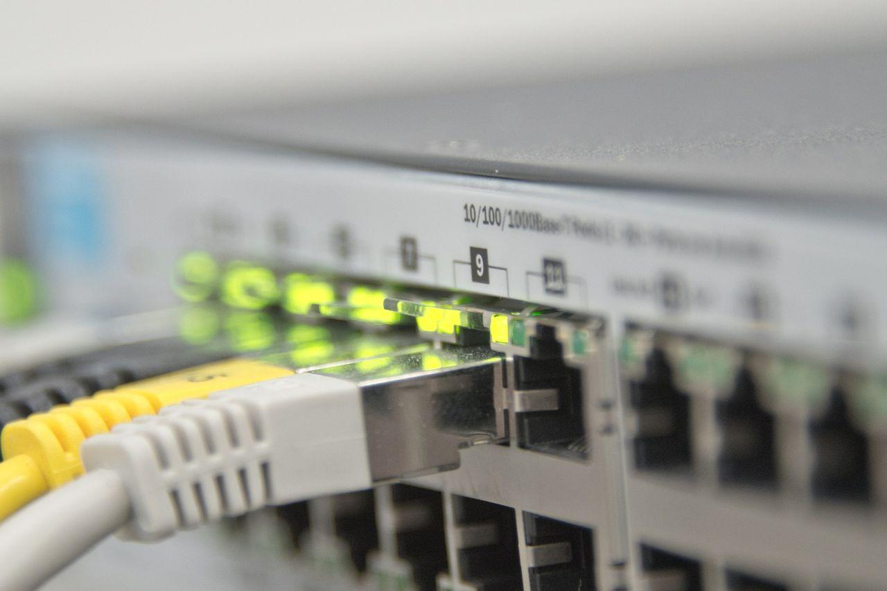 Planerar Ericsson att lägga ner nätverksproduktionen?