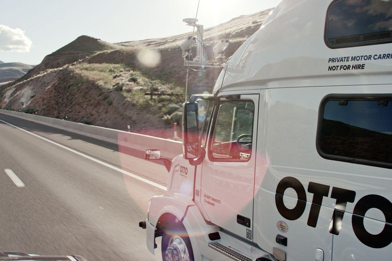 Uber ska börja med självkörande lastbilar