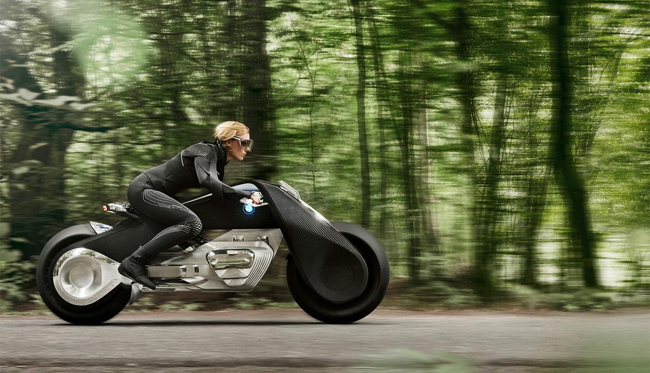 Kör du BMW:s nya hoj behöver du ingen hjälm