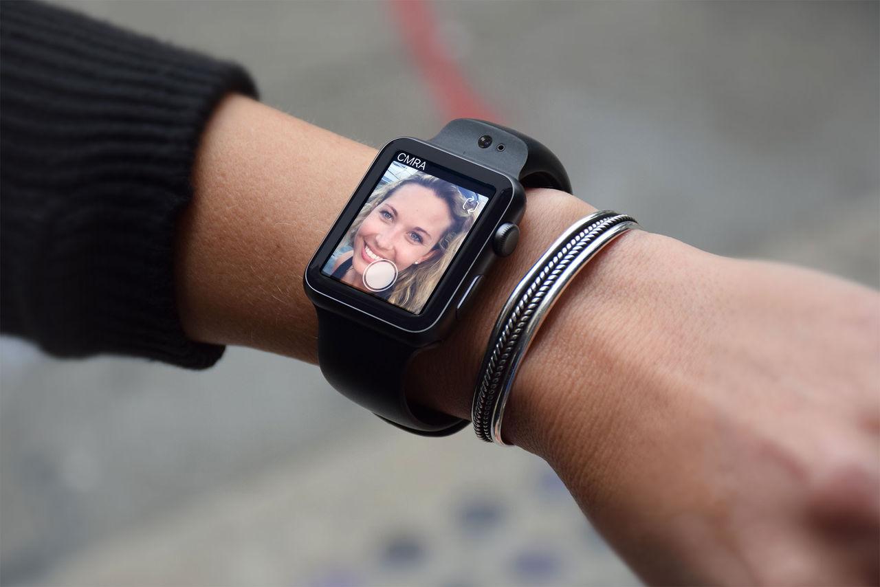 Det här armbandet har dubbla kameror
