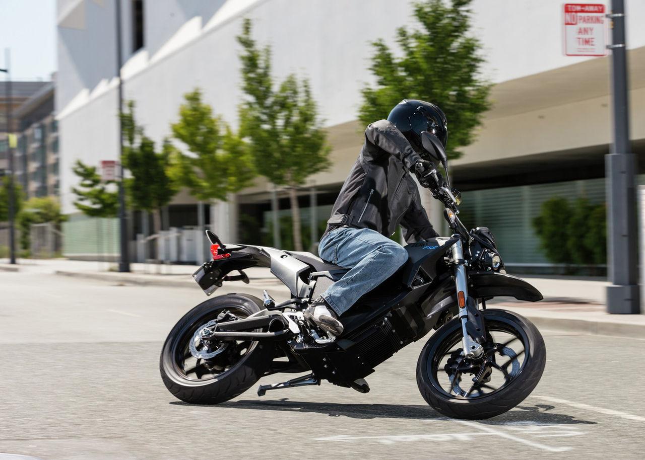 Zeros el-motorcyklar kommer nu över 32 mil