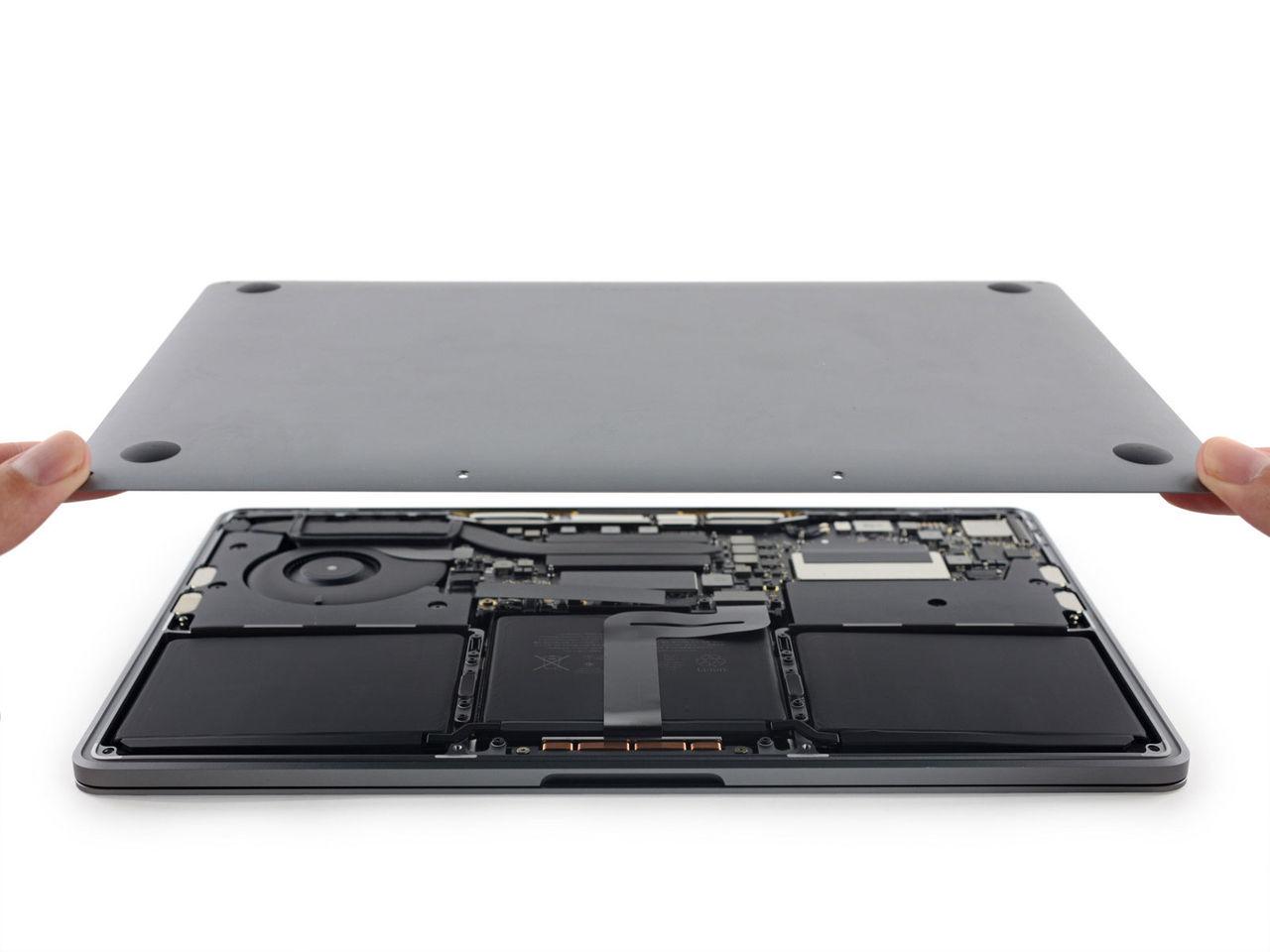 iFixit plockar isär nya MacBook Pro