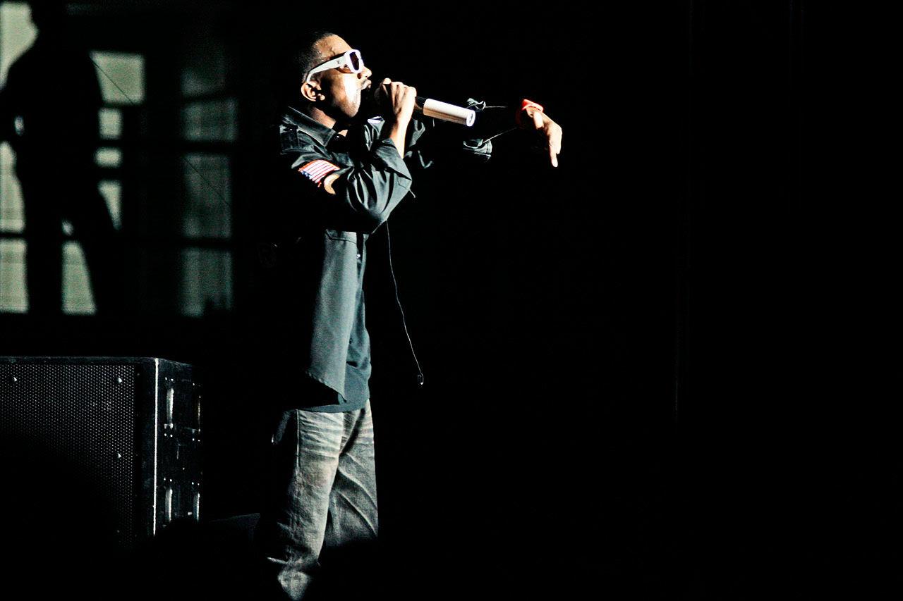 Kanye West ballar ur och lämnar spelning