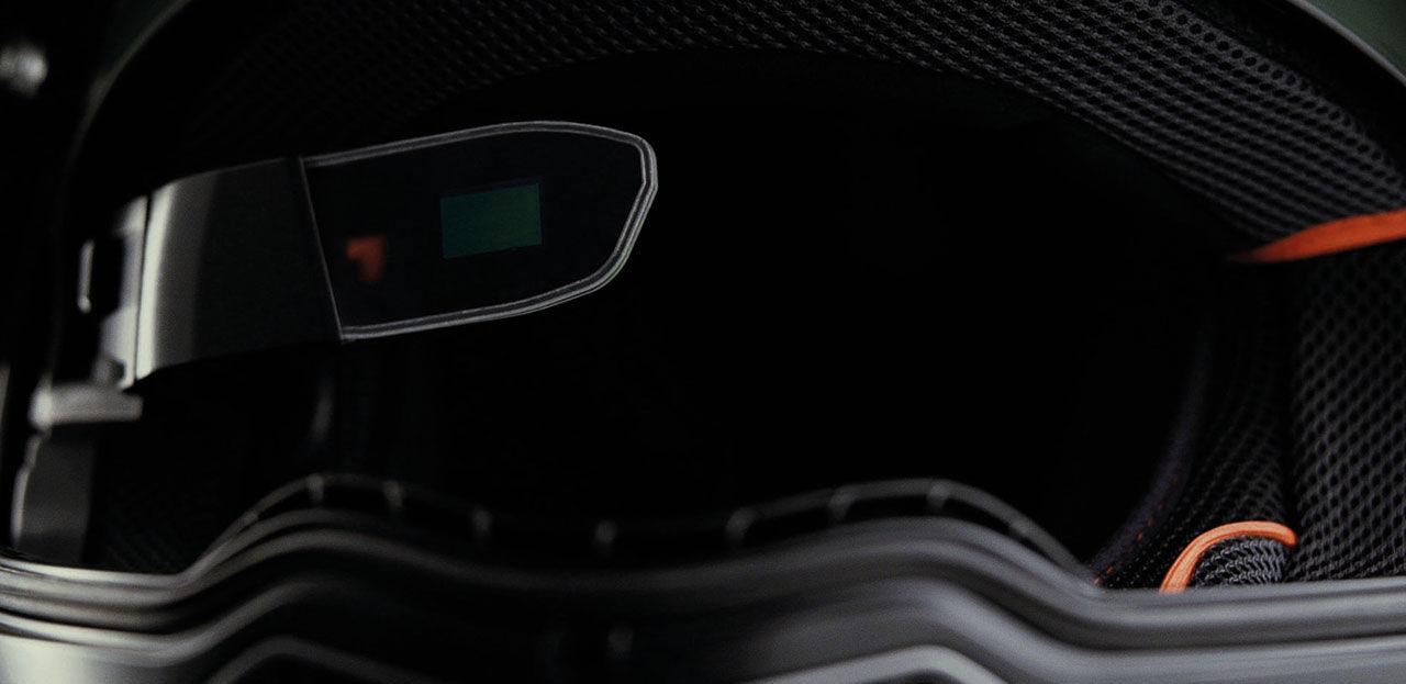 Motorcykelhjälm med Head-up-display