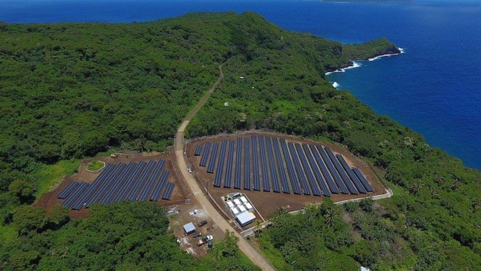 SolarCity och Tesla förser en hel ö med elektricitet