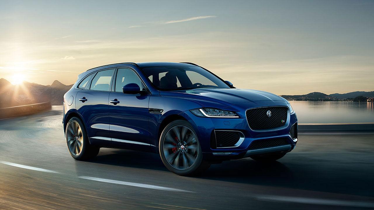 Årets tjejbil är Jaguar F-Pace