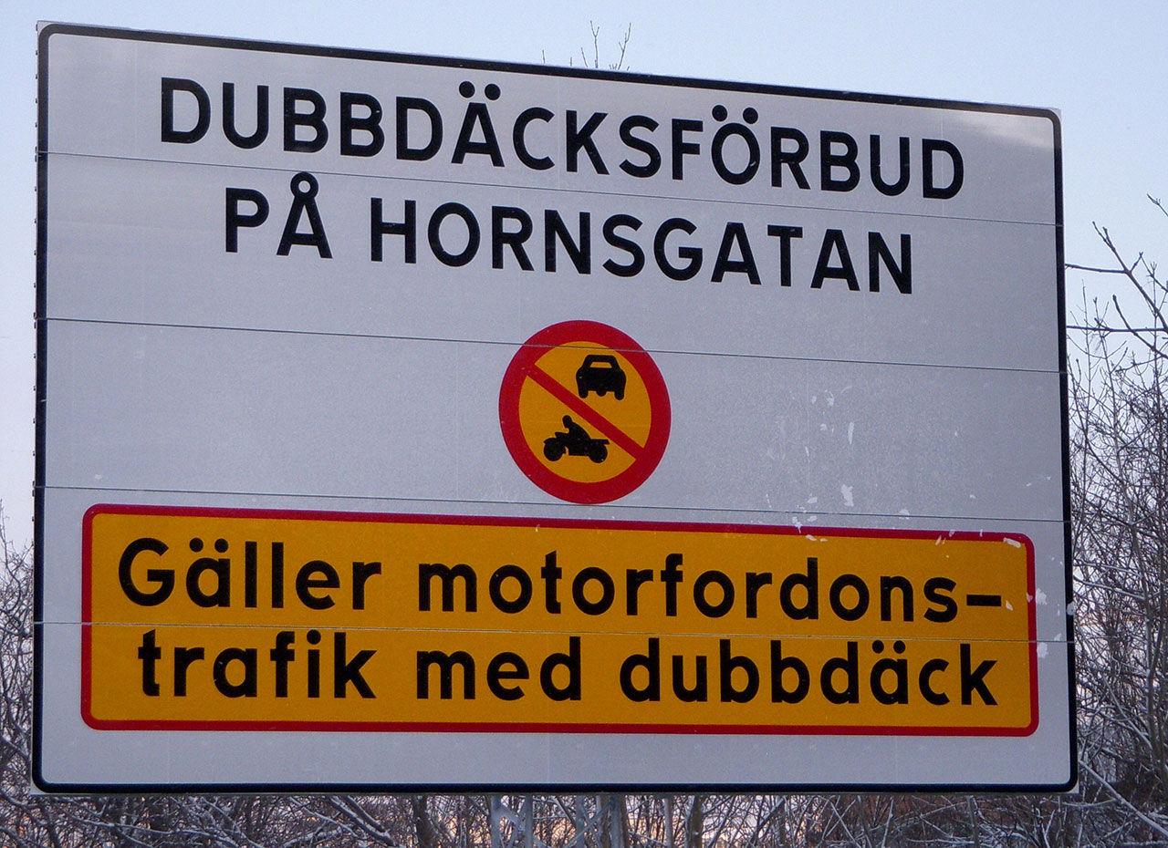 Specialist på vägteknik anser att dubbdäcksförbudet är dumt