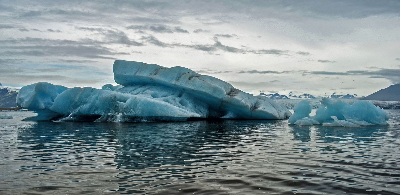 Stort isberg på väg att lossna från Antarktis