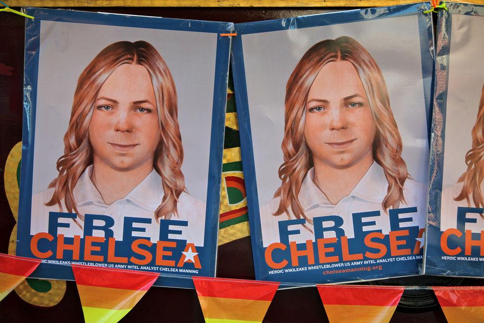 Obama sänker Chelsea Mannings straff