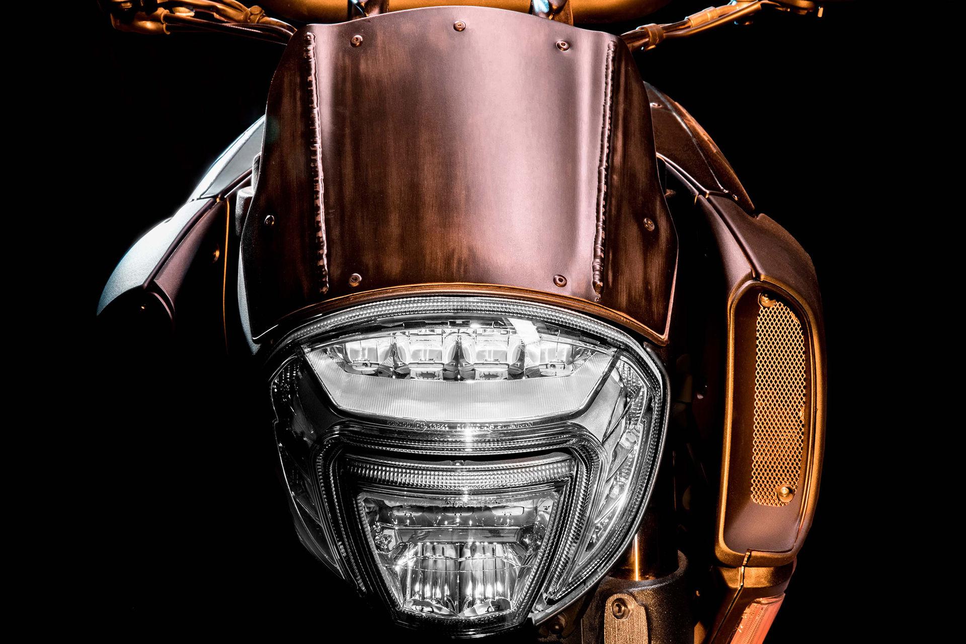 Ducati och Diesel visar Mad Max-liknande hoj