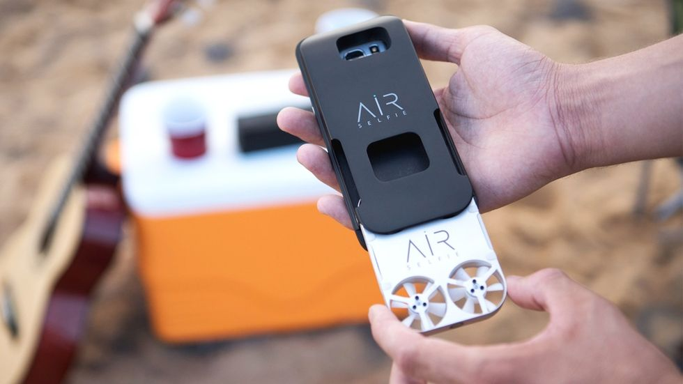 AirSelfie är en liten drönare för att ta selfies