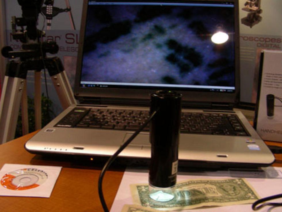 Smidigt mikroskop från Celestron