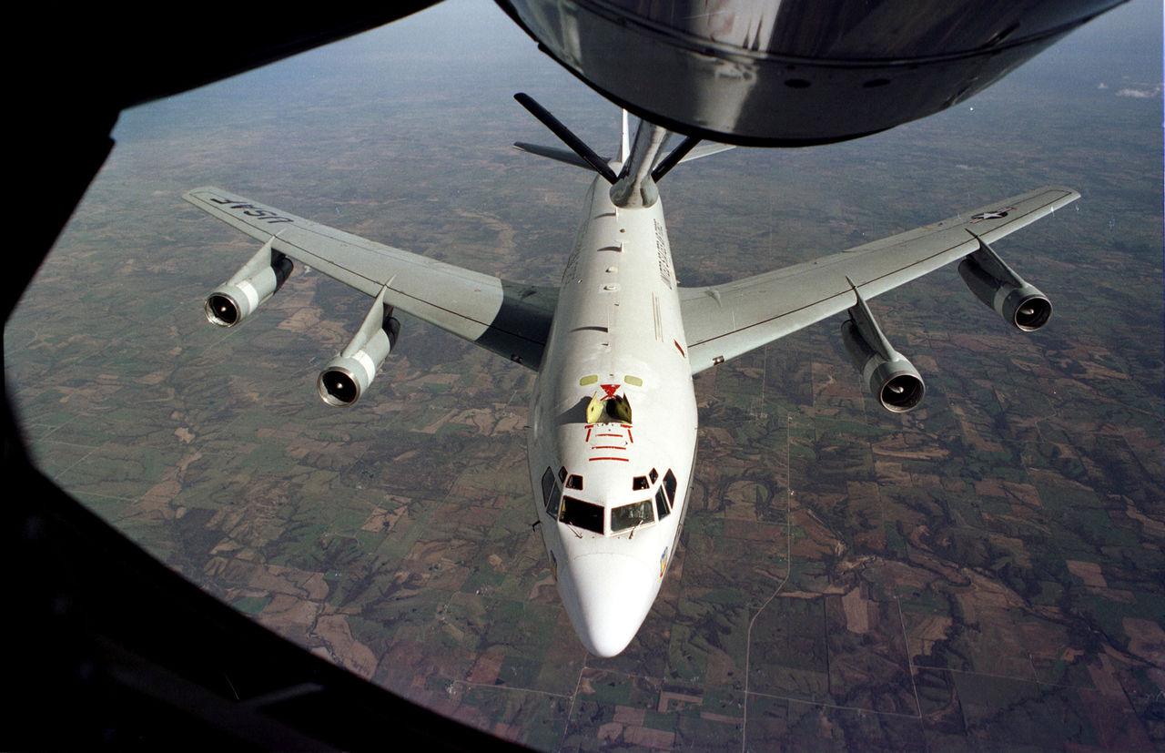USA skickar flygplan som letar efter radioaktivitet till Europa