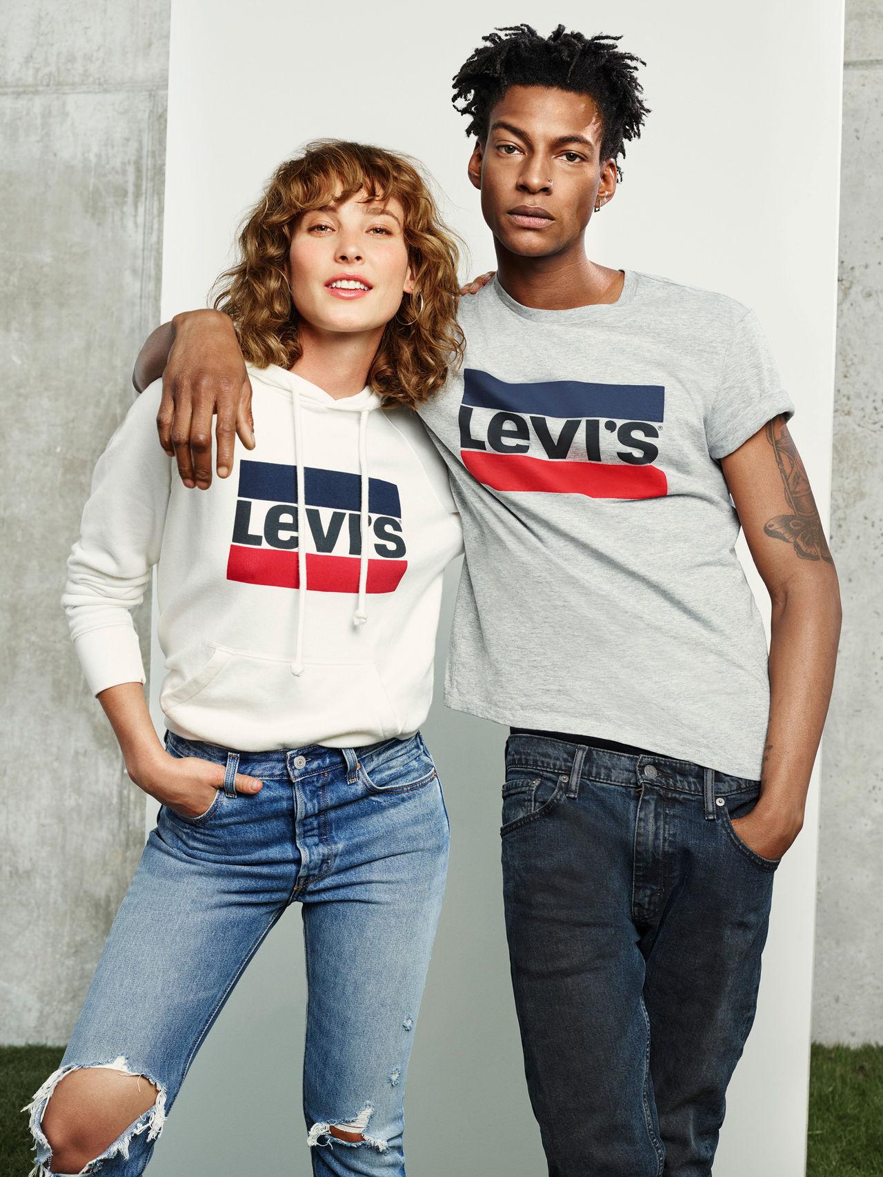 Levi's återanvänder sin gamla Sportswear-logga