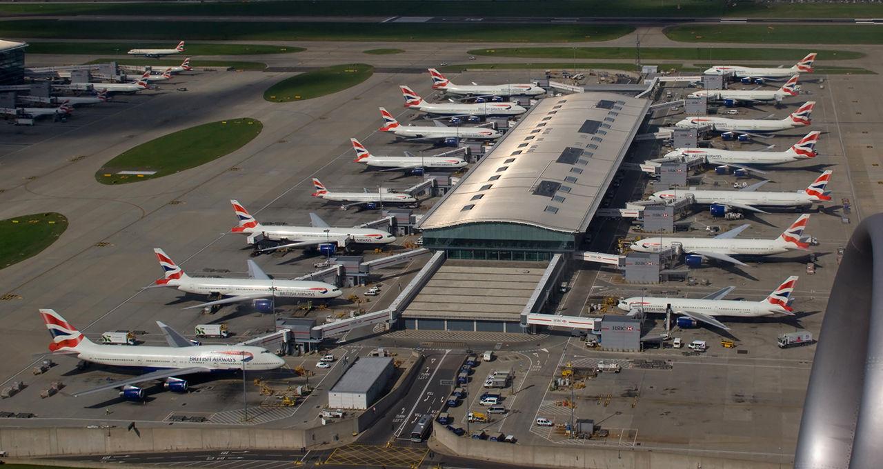 Storbritannien inför förbud för elektronikprylar på vissa flyg
