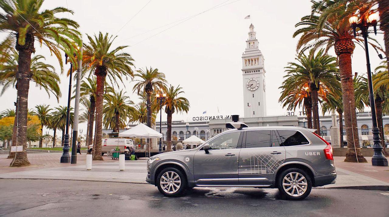 Ubers självkörande bilar rullar igen
