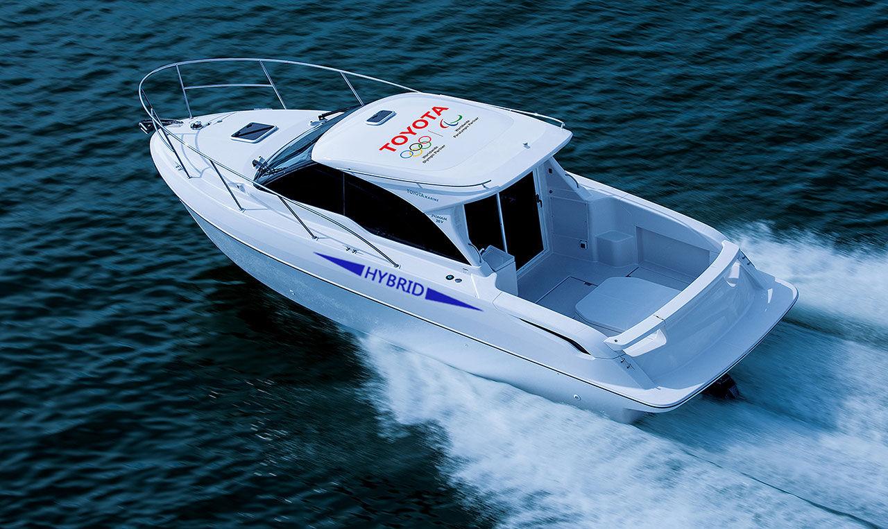 Toyota presenterar hybridbåt