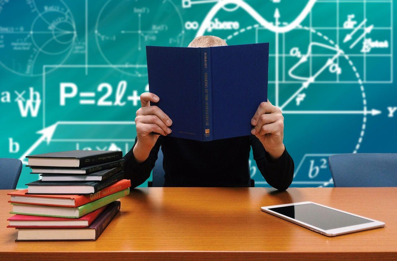 Kodcentrum och Edqu ska lära lärare att förstå programmering