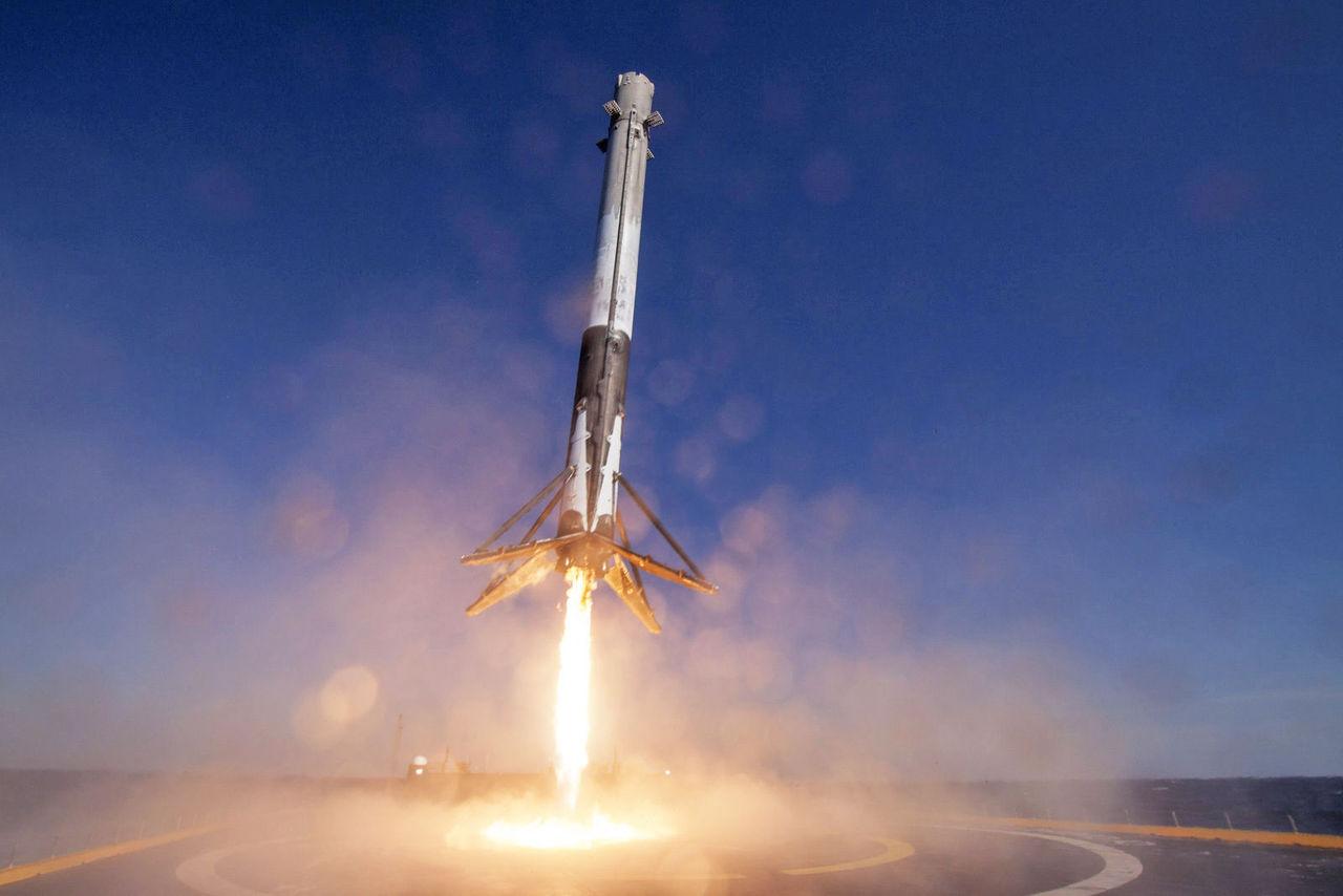 Så här såg det ut när SpaceX landade en begagnad raket