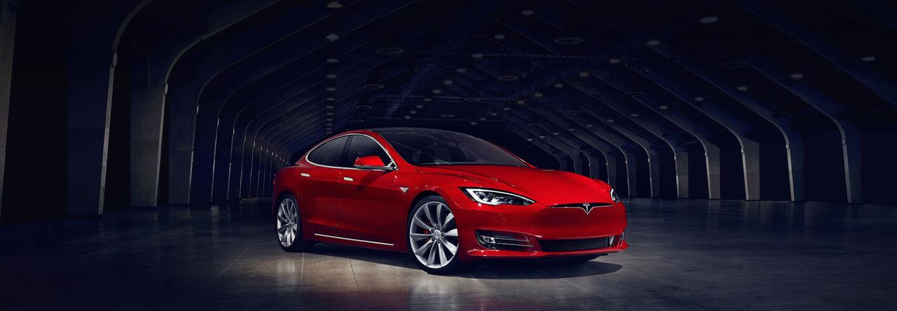 Tesla återkallar 53 000 bilar