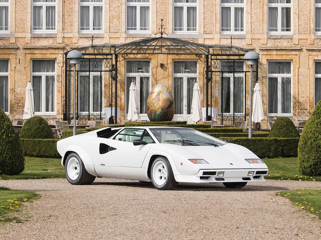 Slå till på en Lamborghini Countach 5000 QV