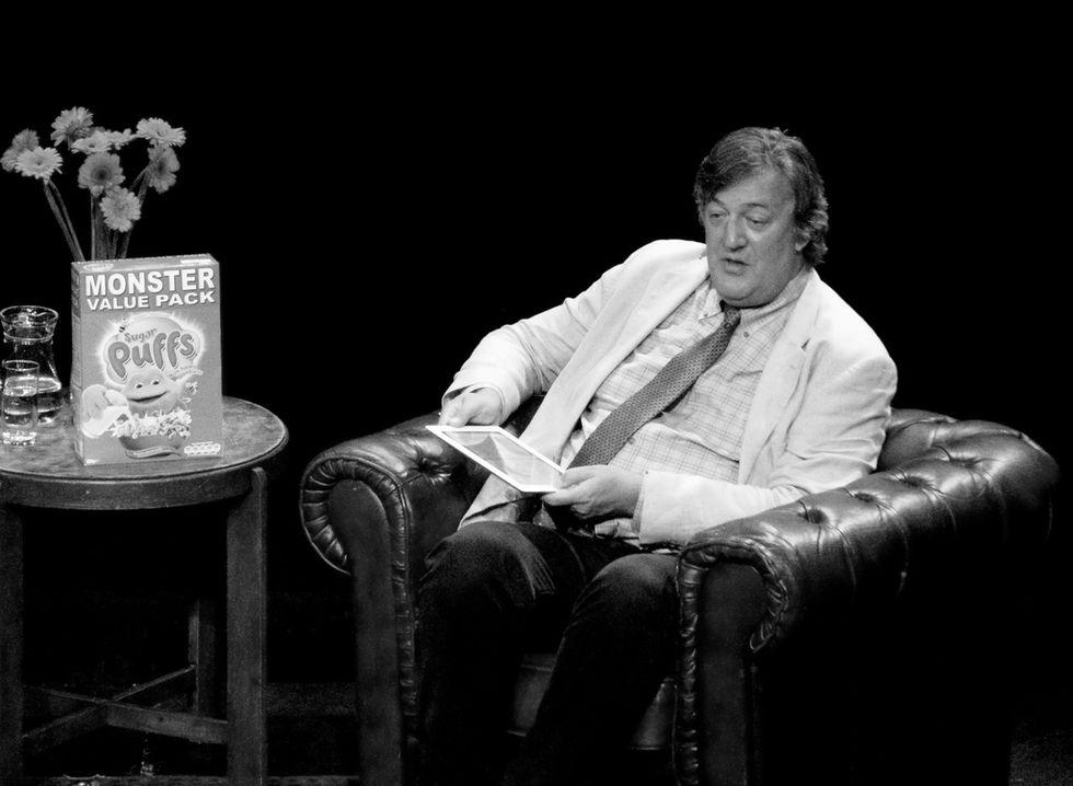Stephen Fry anklagas för hädelse på Irland