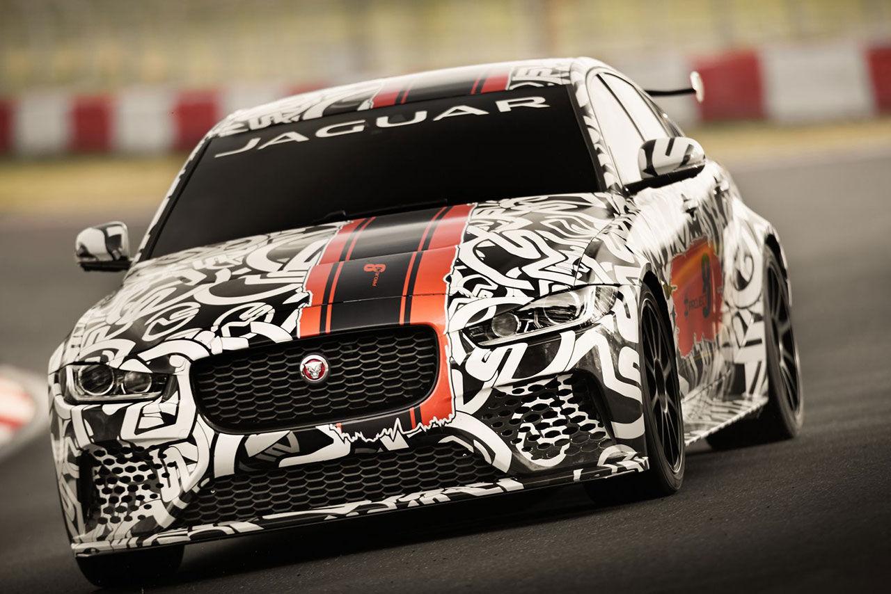 Jaguar visar XE med 600 hästar
