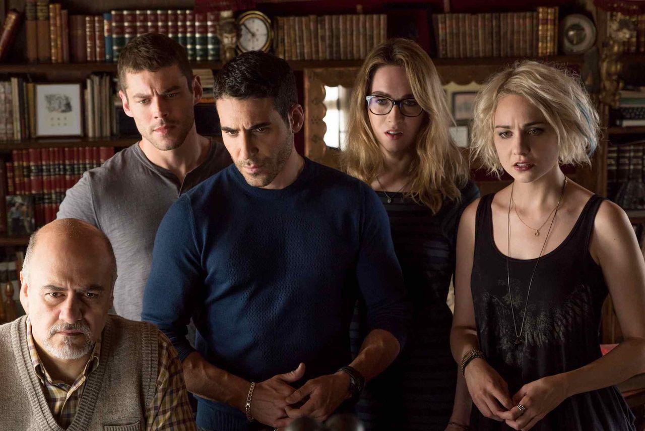 Netflix lägger ner Sense8