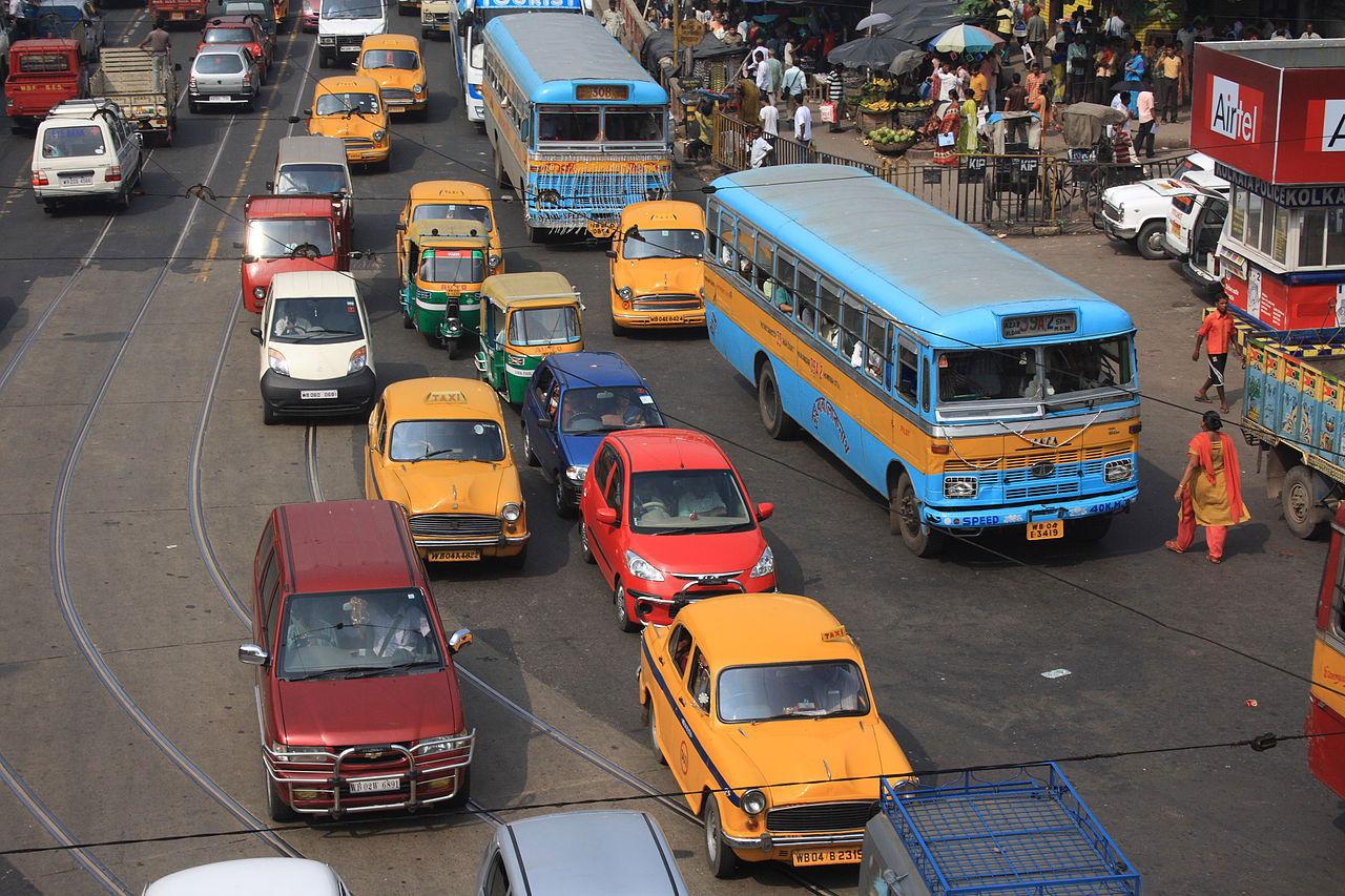 Alla bilar som säljs i Indien 2030 ska vara elbilar
