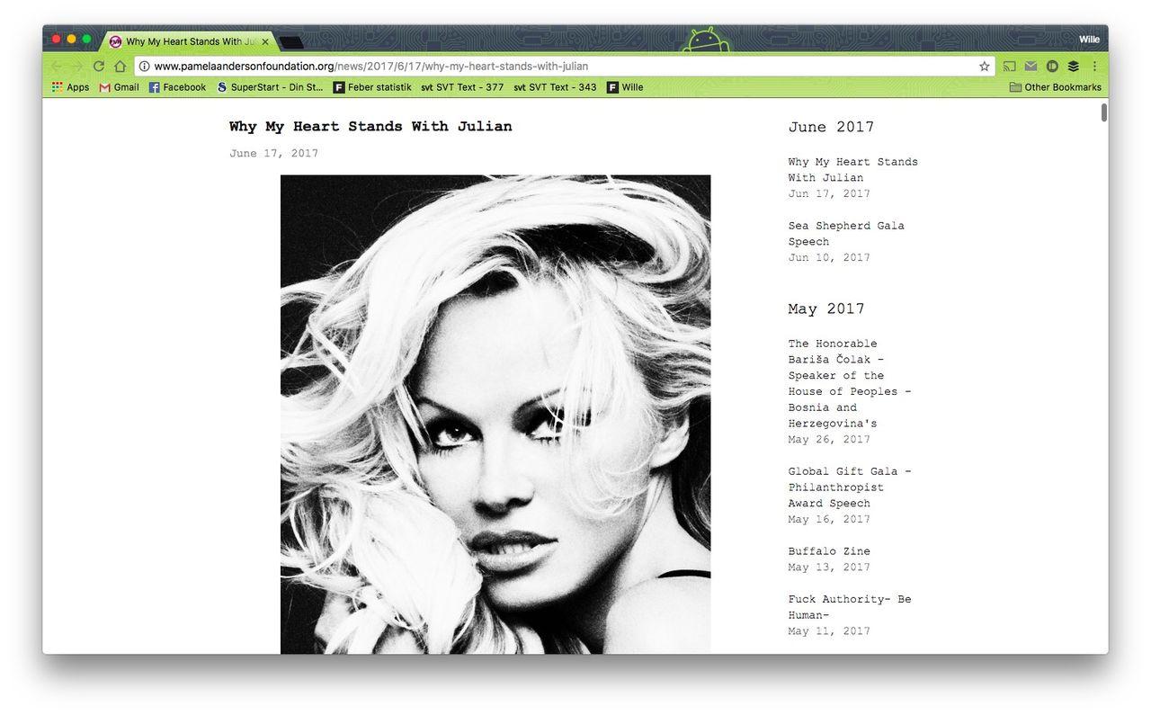Pamela Anderson visar sitt stöd för Julian Assange