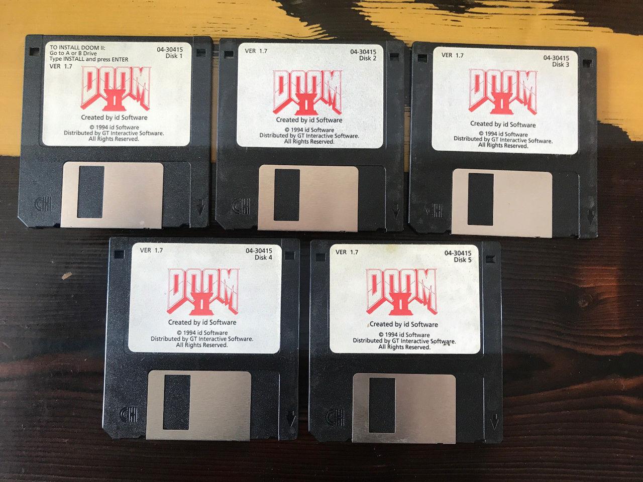 Köp John Romeros Doom 2-disketter