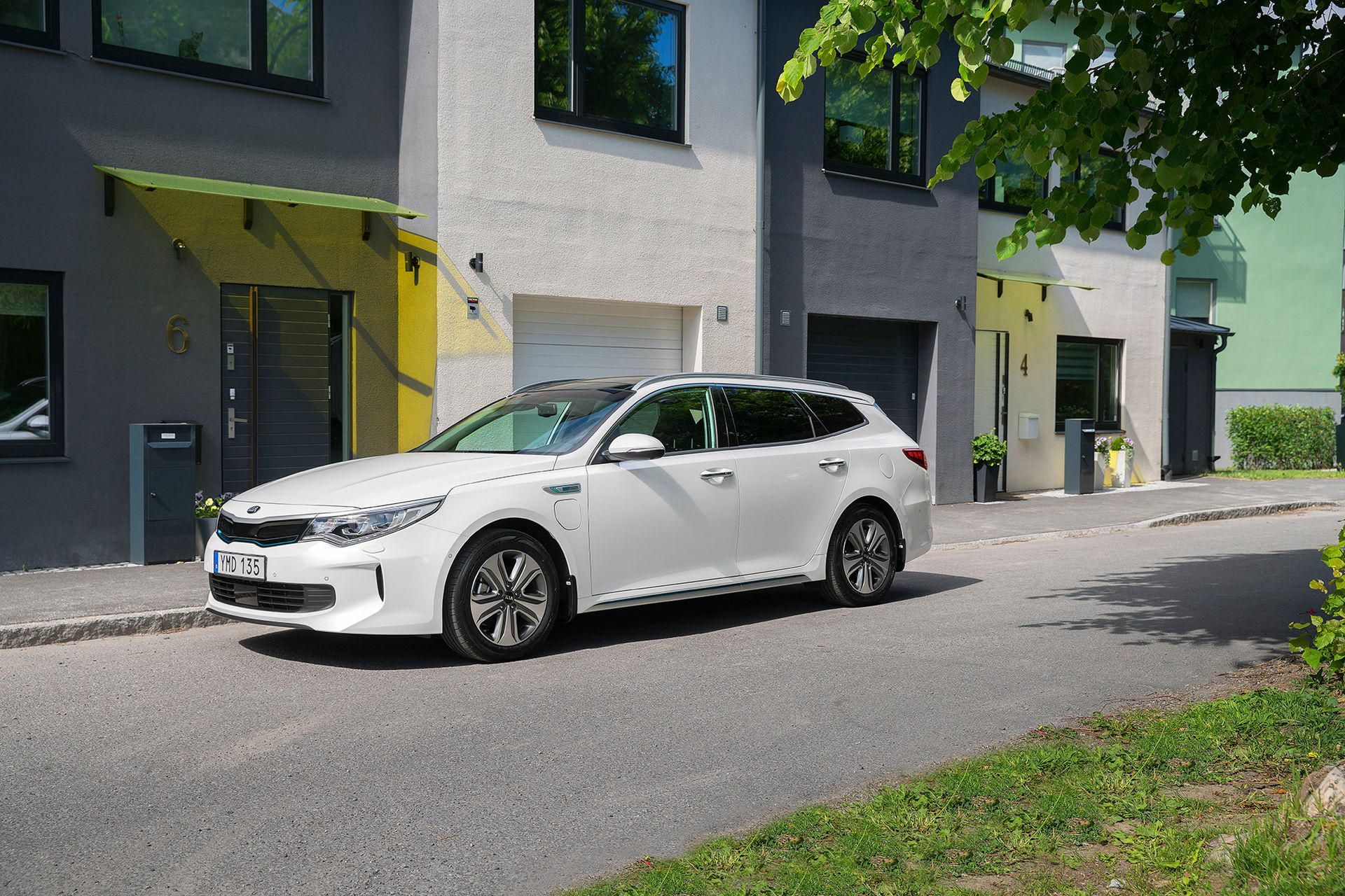 Nu börjar Kia leverera Optima Sportswagon Plug-in Hybrid