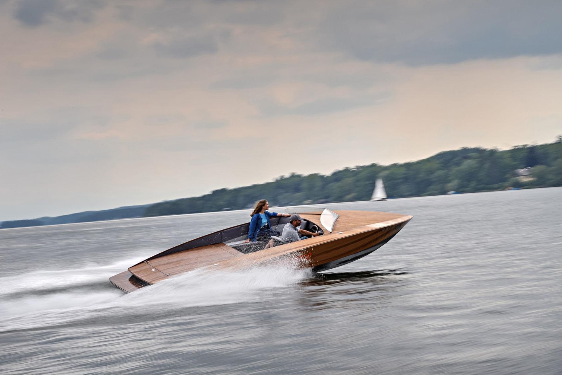Den här båten har batteripacket från BMW i3 i sig