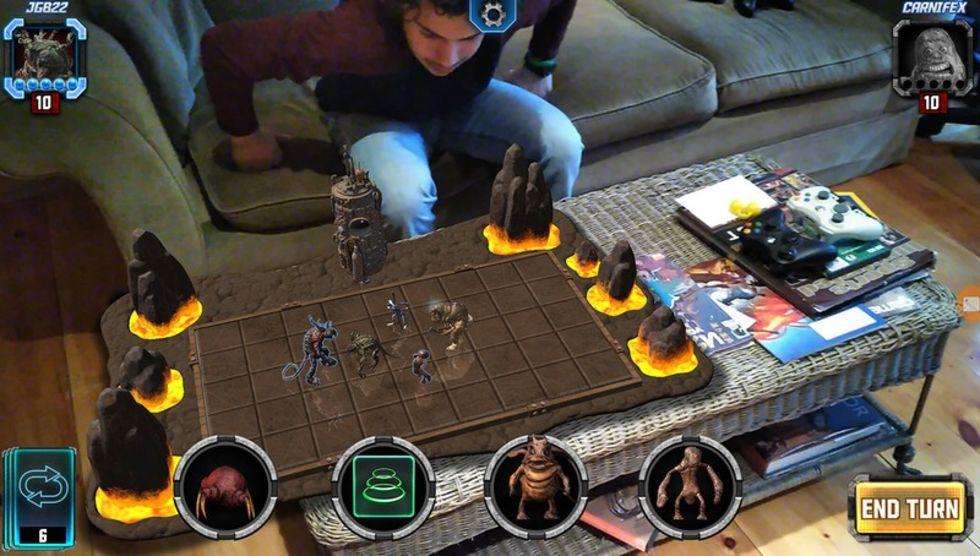 Nu finns HoloGrid: Monster Battle till HoloLens