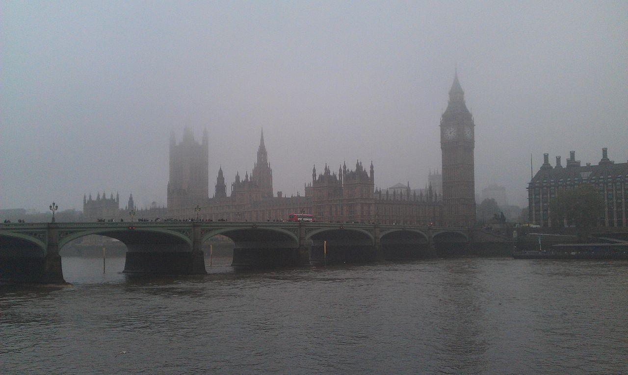 Storbritannien förbjuder försäljning av fossildrivna bilar 2040