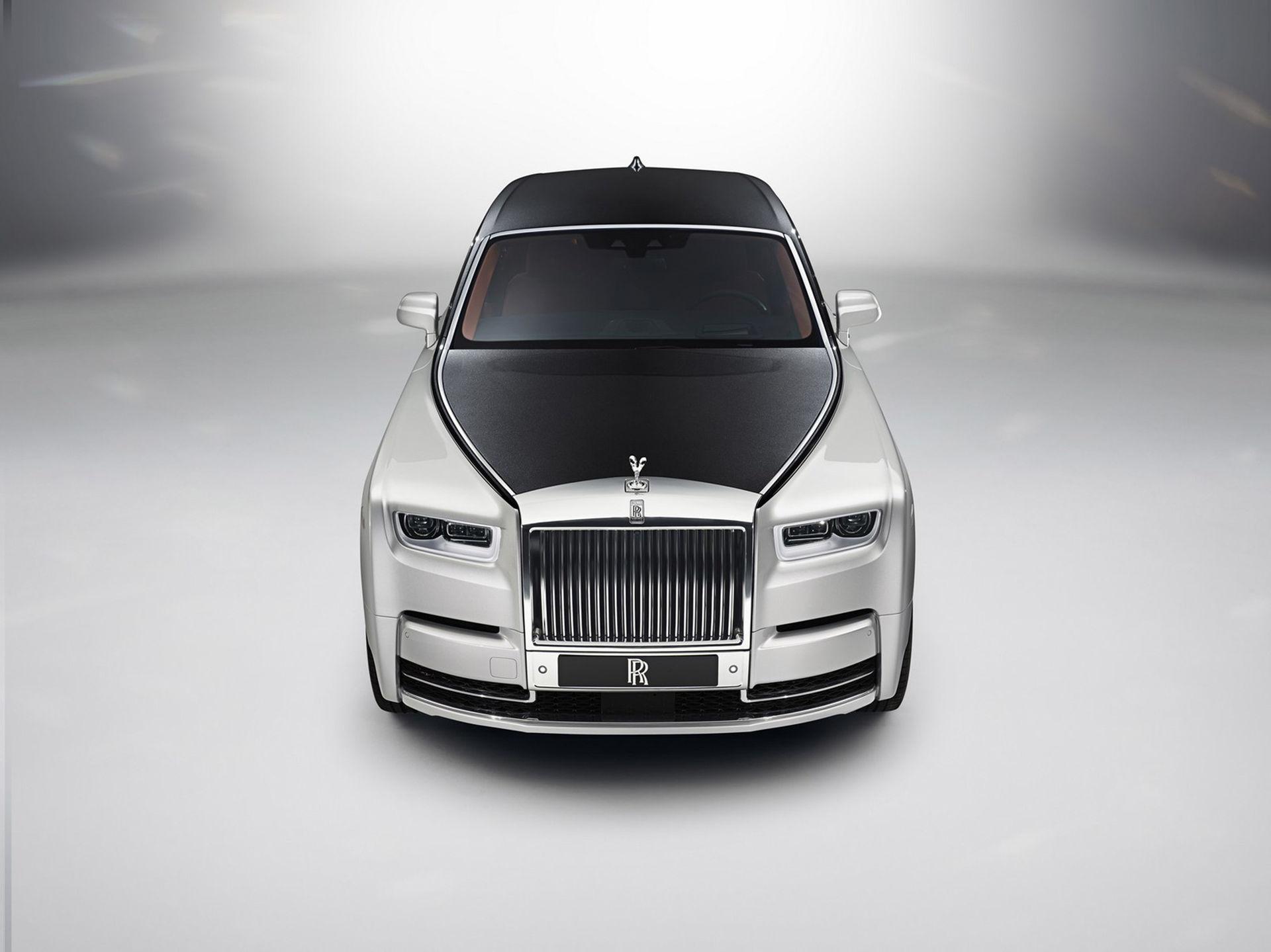 Rolls-Royce rullar ut nya Phantom