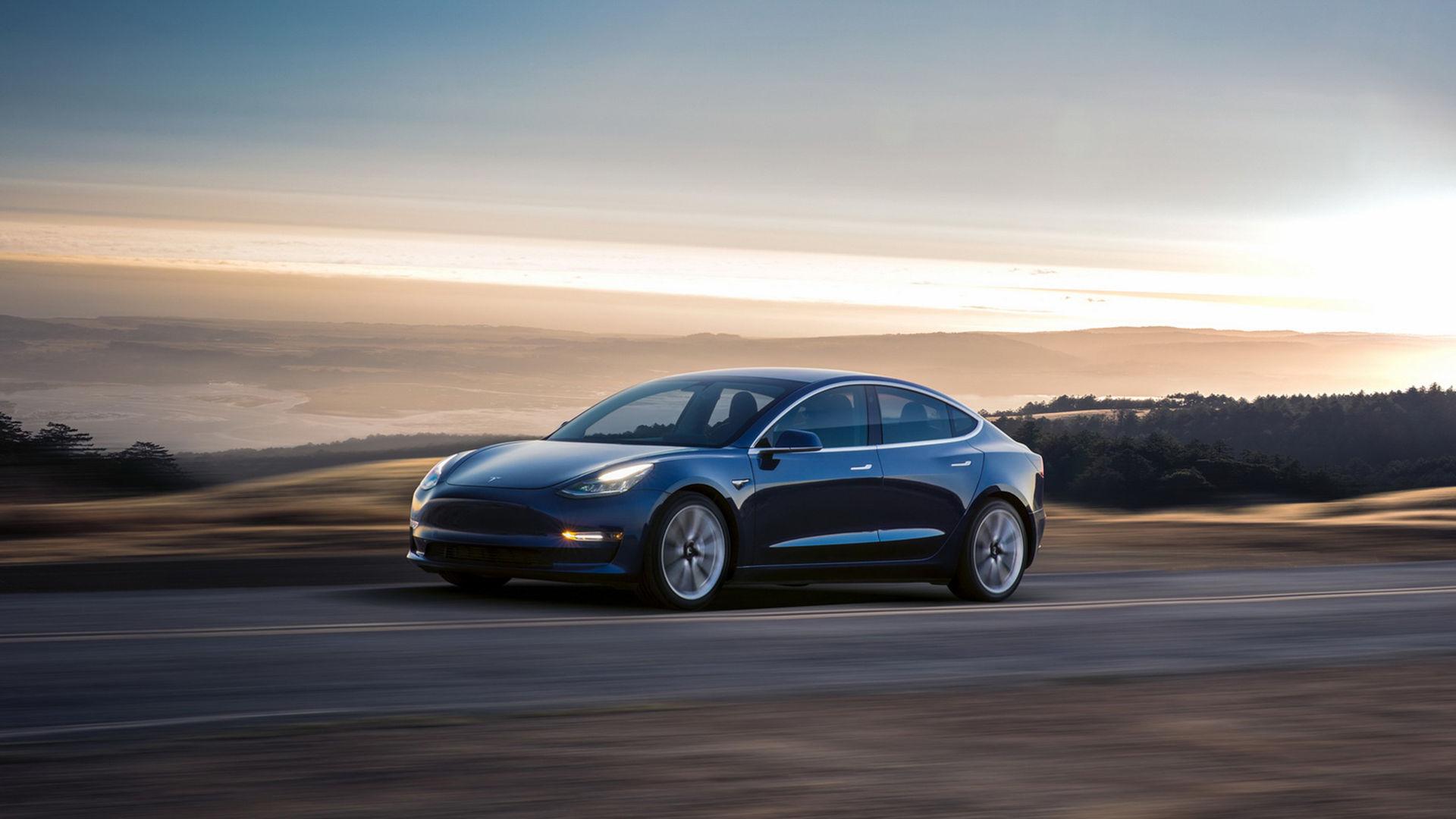 Nu är den här på riktigt - Tesla Model 3