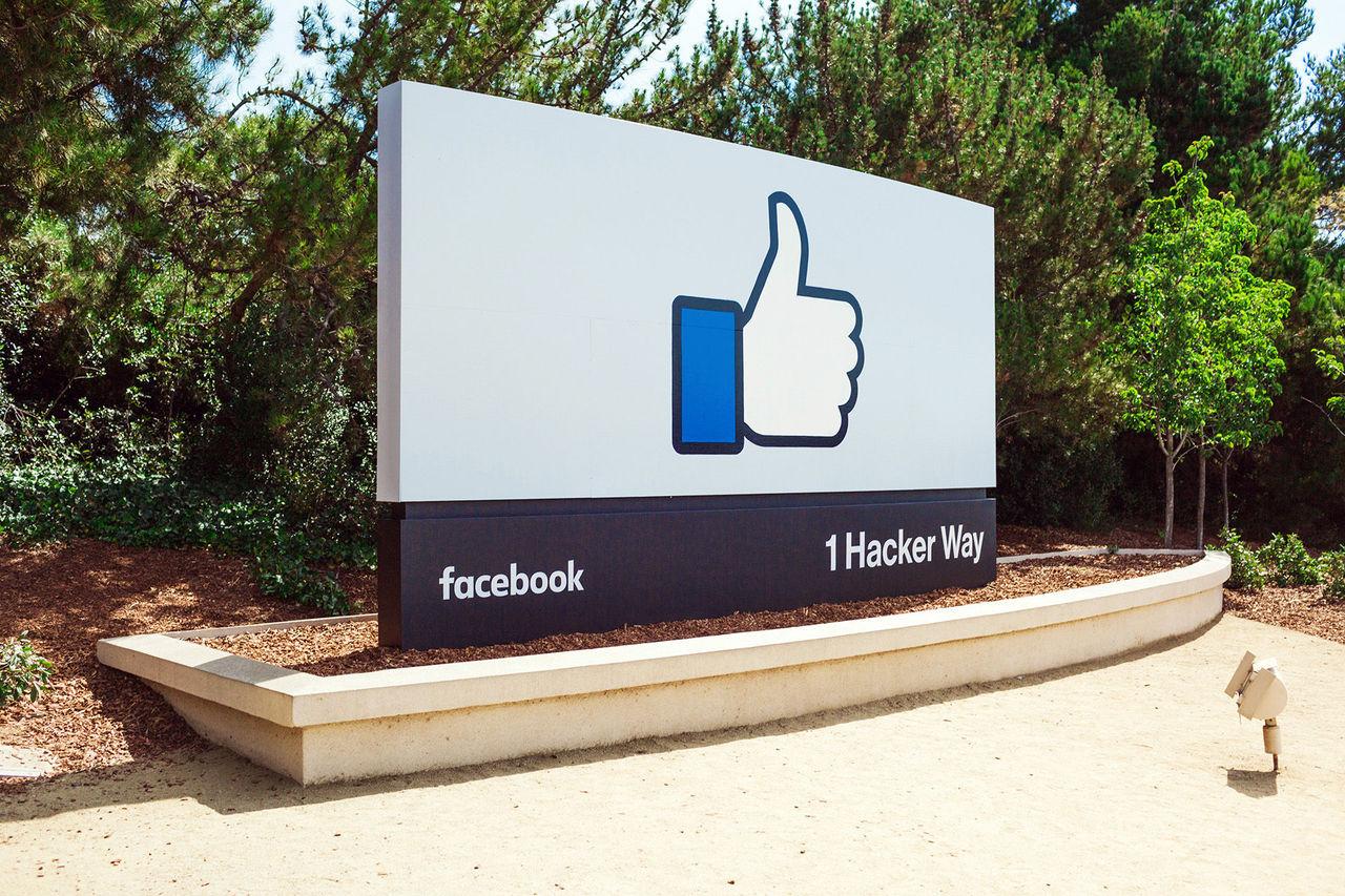 Nu kan du publicera dina Facebook Stories publikt