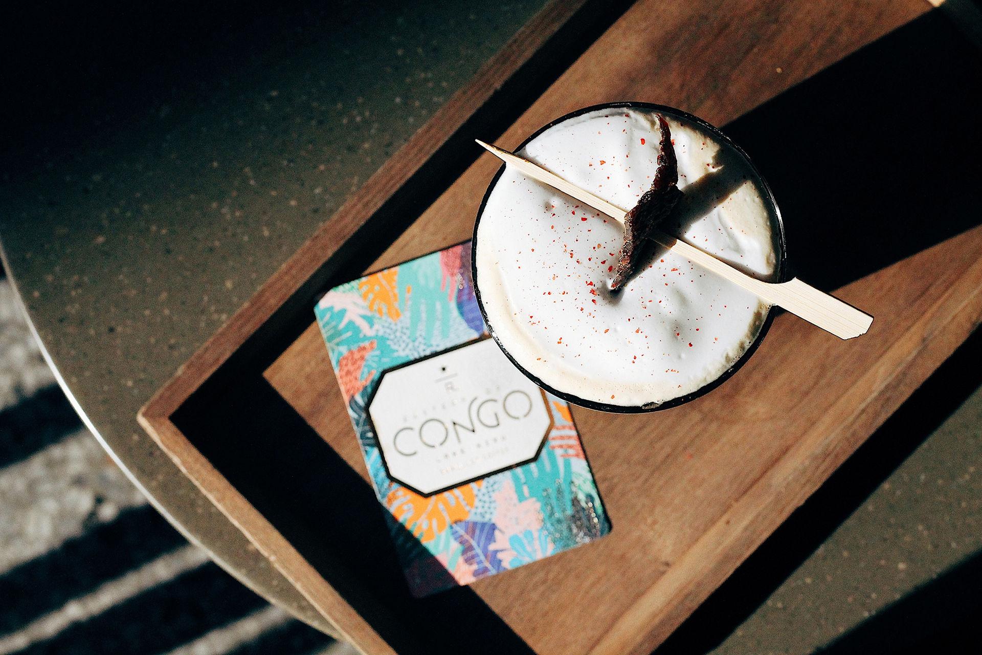 Kaffedryck toppad med Beef Jerky