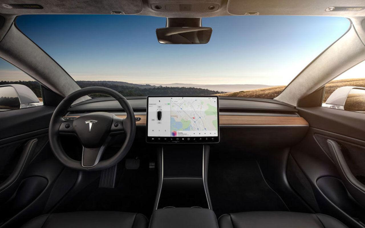 Tesla behöver 1,5 miljard dollar till produktionen av Model 3